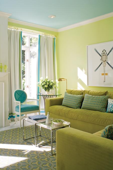 красивая гостиная морского цвета