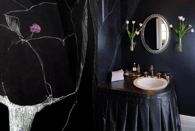 окраска стен в черной ванной комнате