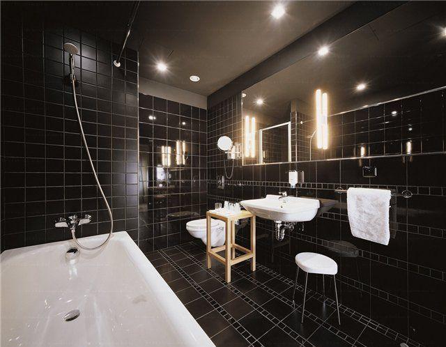 глянцевая черная ванная комната