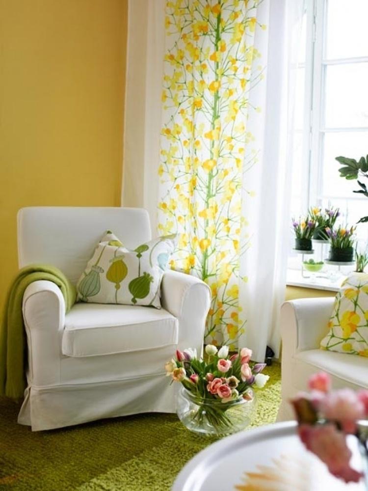 Цветы в интерьере гостиной фото 1