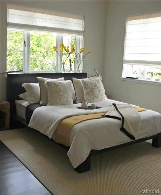 интерьер спальни в сером цвете
