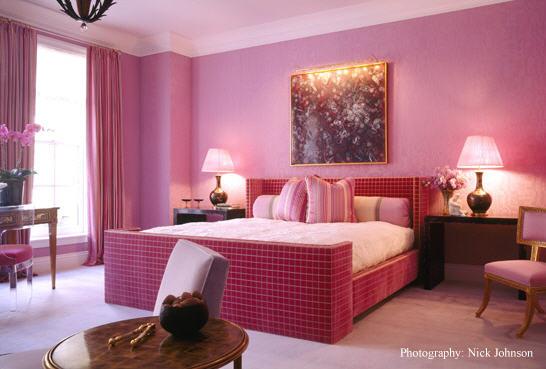 розовый в интерьере комнат