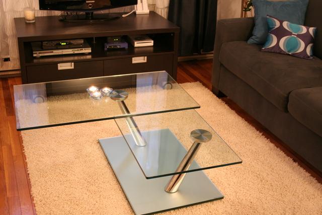 Дизайн гостиной с фальш-камином фото 4