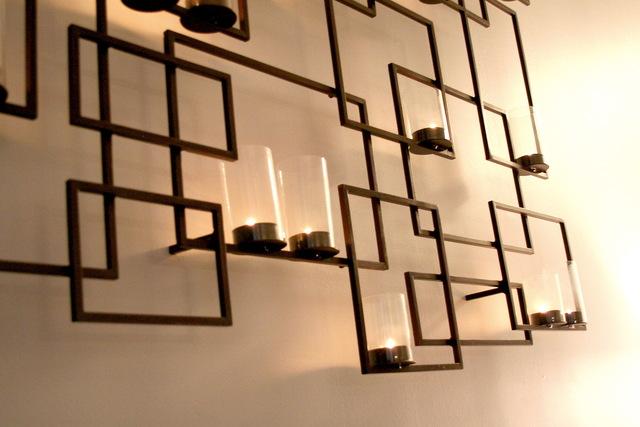 Дизайн гостиной с фальш-камином фото 5