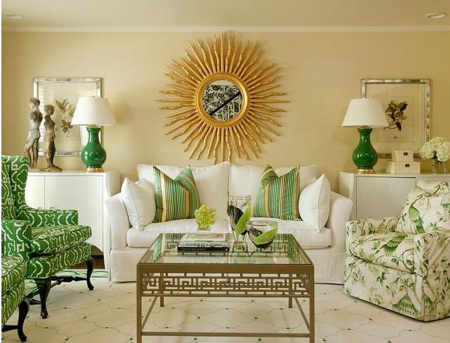 классический стиль гостиной с зелеными акцентами