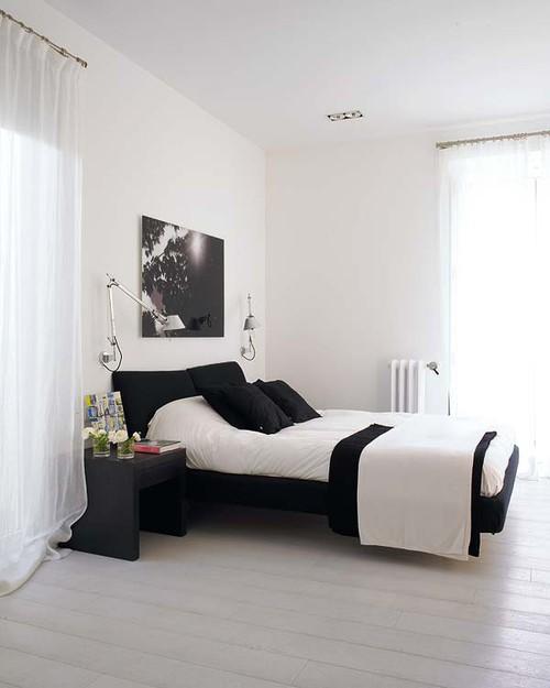 Черно - белая спальня