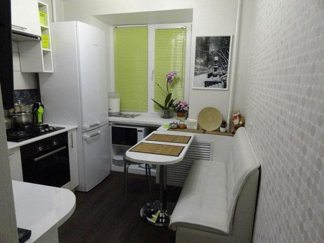 мягкий уголок в маленькой кухне