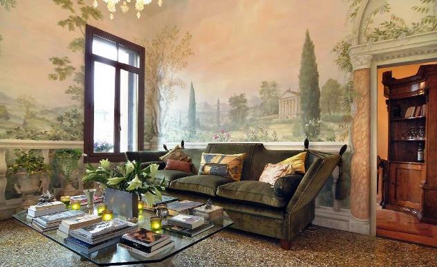 Фрески в дизайне интерьера гостиной