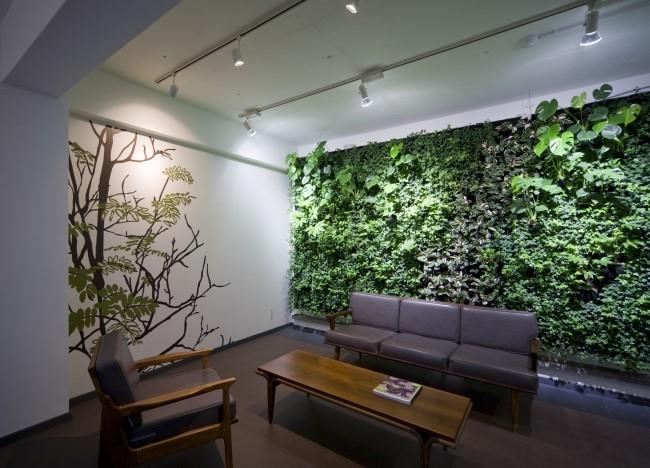 """Эко-интерьер с """"зеленой стеной"""""""