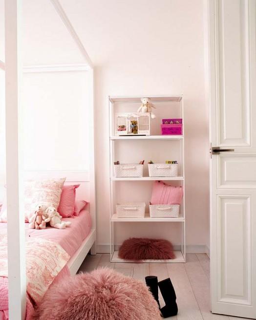 Розовая спальня декор