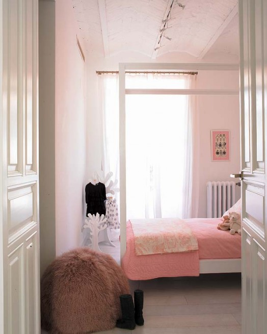 Розовая спальня