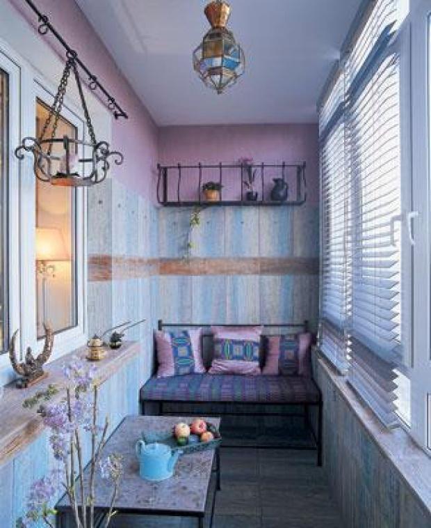 цвета Прованса в дизайне балкона