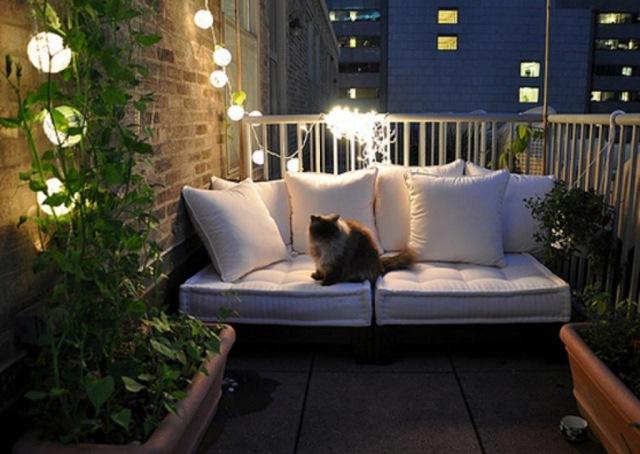 Освещение в интерьере балкона