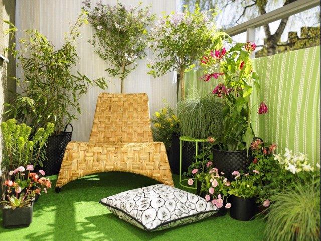 уютный сад на балконе
