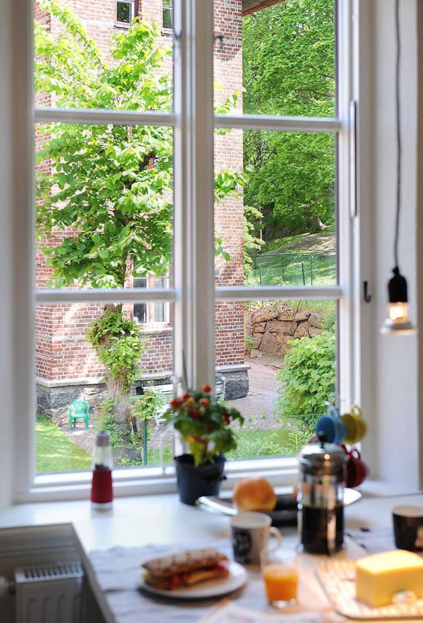 окно в однокомнатной квартире