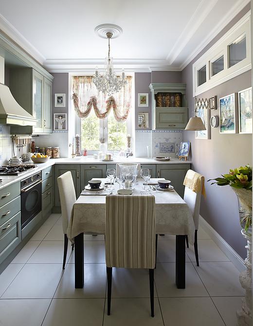 Декор кухни в трехкомнатной квартиры