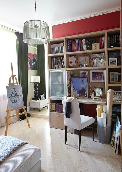 Декор кабинета трехкомнатной квартиры