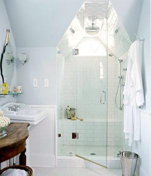 душ на мансарде