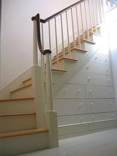 лестница с выдвижными ящиками фото