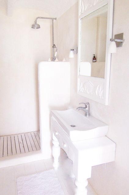 Классическая белая ванная