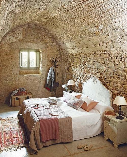 интерьер спальни в деревенском стиле фото 19