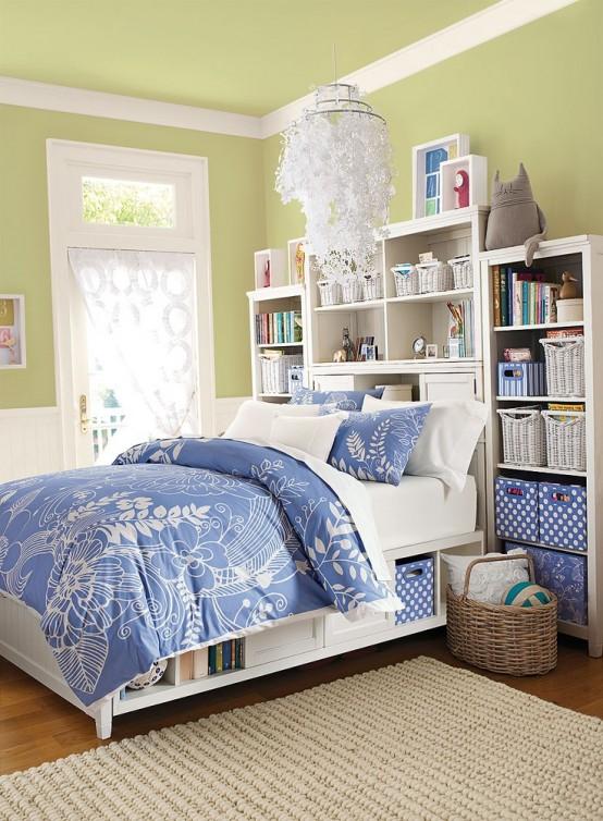 синий в интерьере спальни