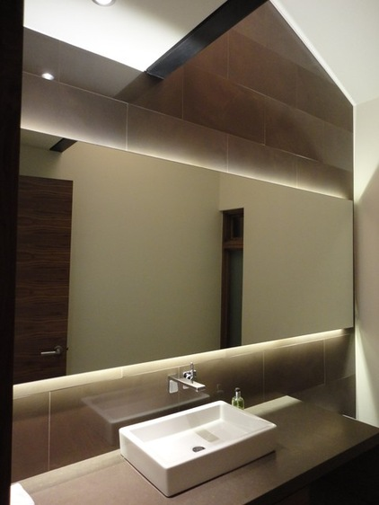 Подсветка светодиодной лентой  зеркала