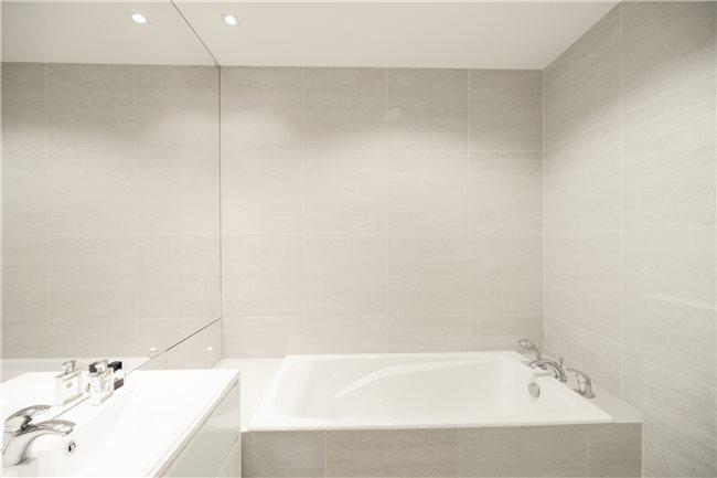 белая квартира фото ванной
