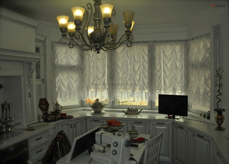 Эркер с французскими шторами