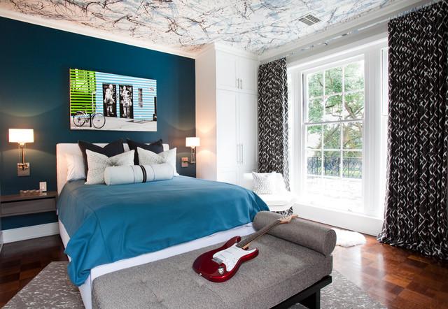 комната подростка с расписным потолком