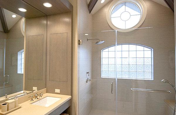 окно из стеклоблоков в интерьере ванной