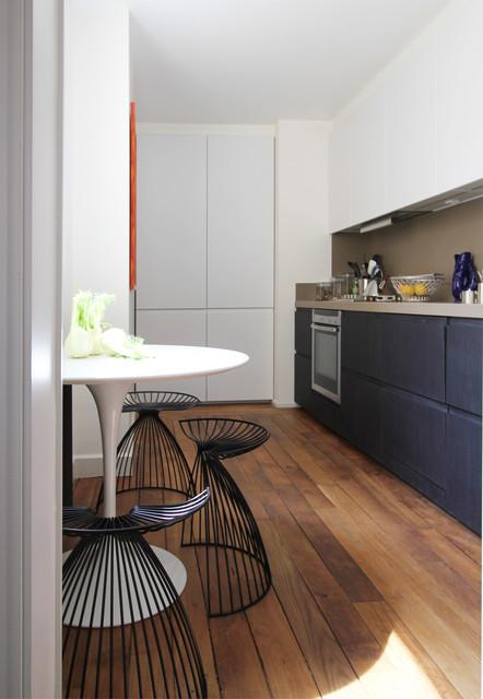 черно белая кухня - минимализм