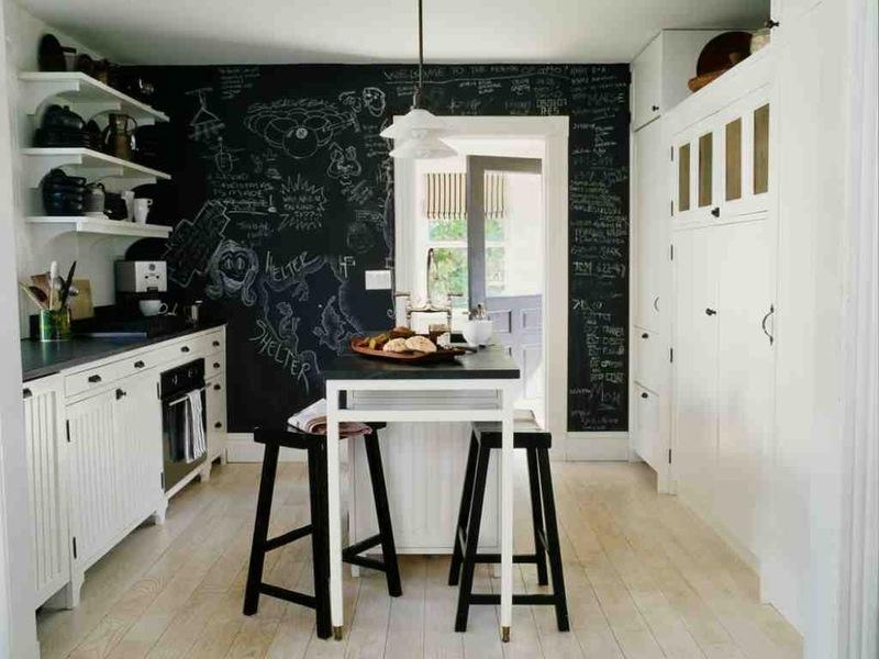 коттеждный стиль черно-белых кухонь