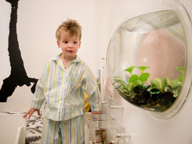 аквариум в детской комнате для двоих детей