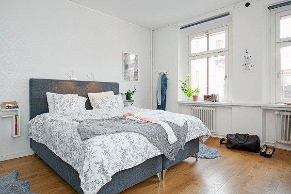 Дизайн интерьера квартиры - деревянный пол в спальне
