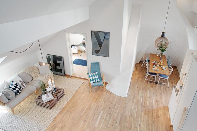 картина в уютной квартире