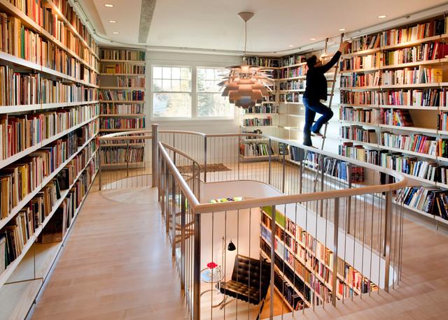 лестница в библиотеке