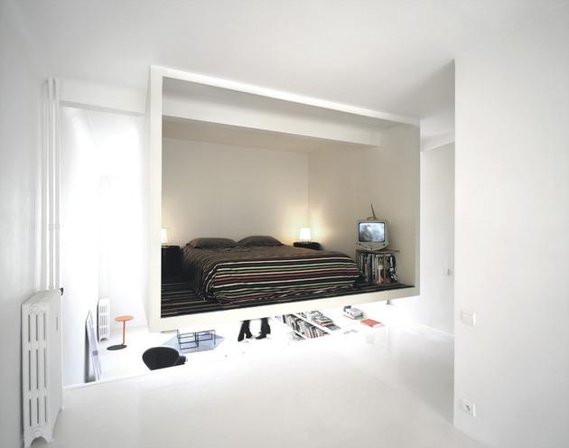 подвесная спальня в квартире студии
