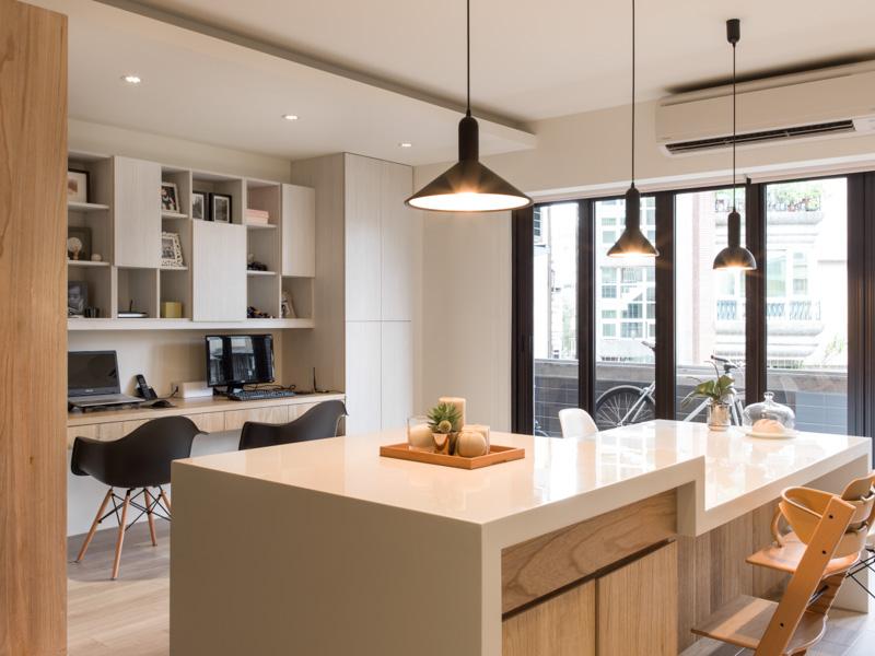 Планировка квартиры - домашний офис на кухне