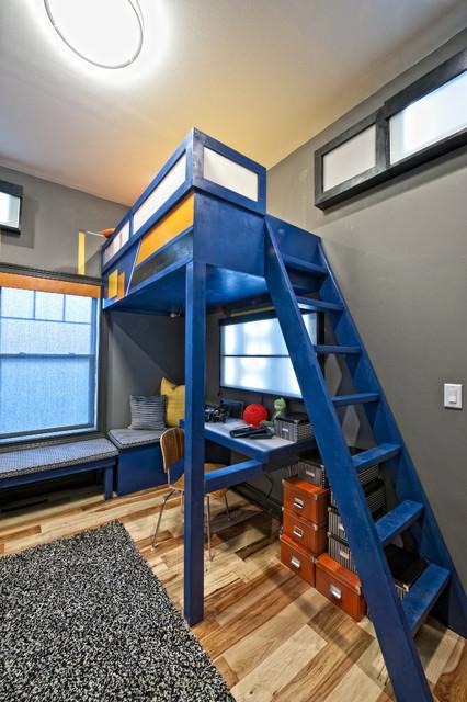 Детские кровати чердаки синего цвета
