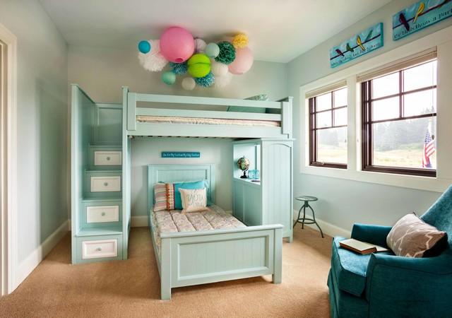 Кровать чердак голубого цвета