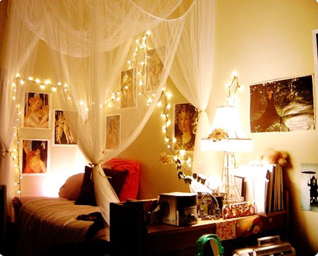 Романтично украшенная кровать