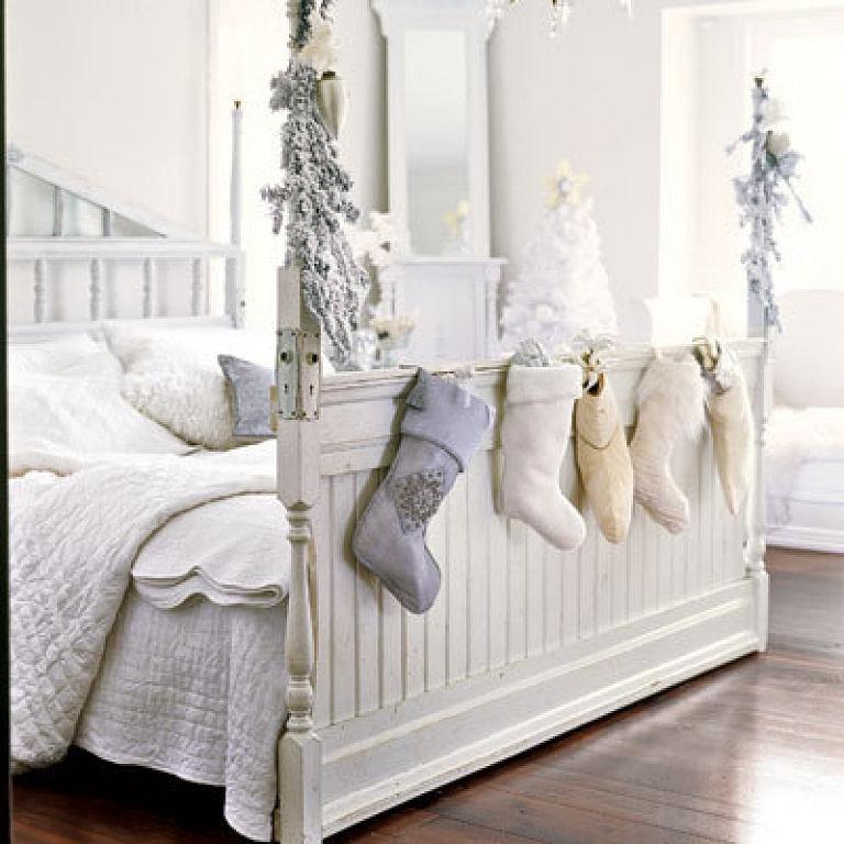 Украшение спальни на Новый Год