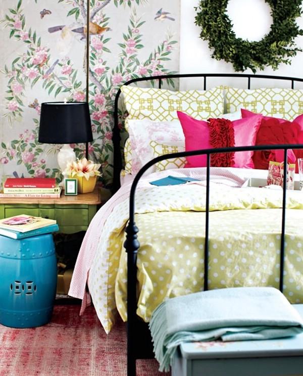 Пример, как украсить спальню к Новому Году