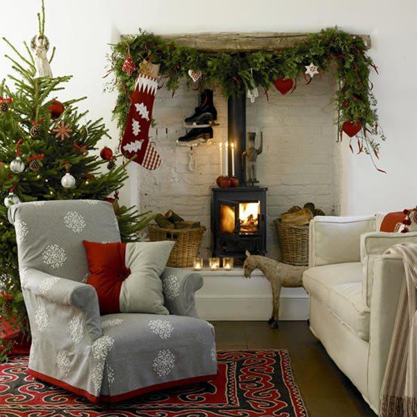 Новогоднее оформление гостиной комнаты