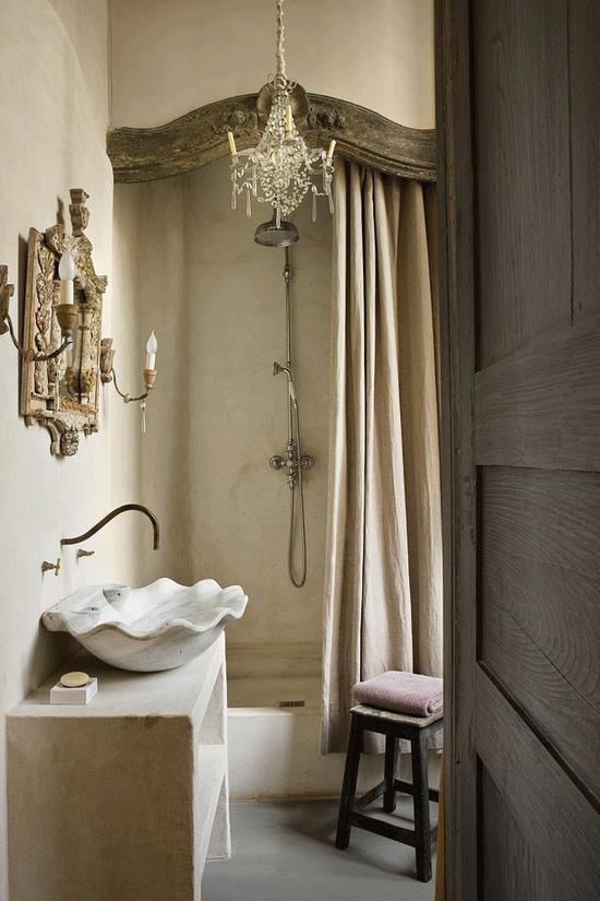 Французский интерьер ванной комнаты