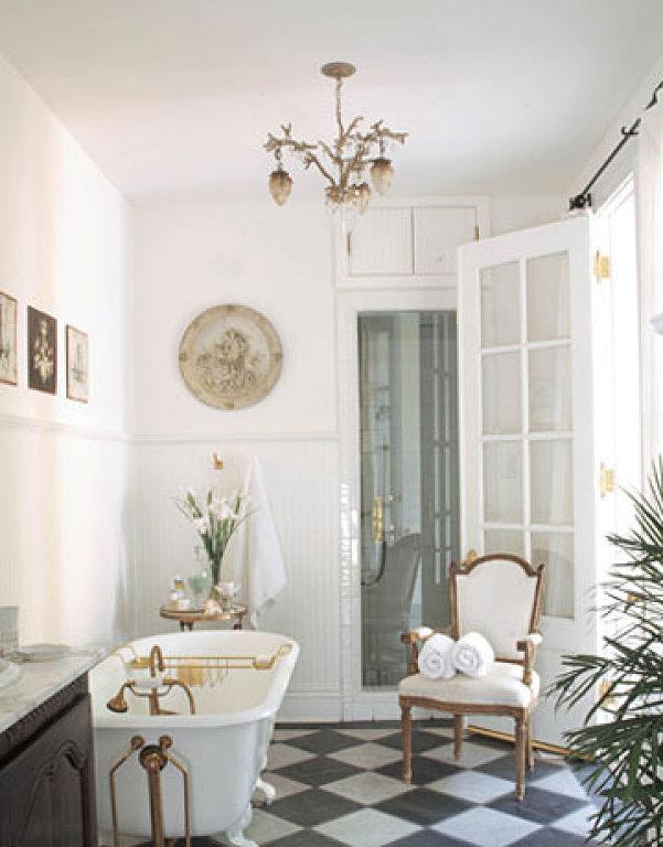 Французский стиль в интерьере ванной комнаты