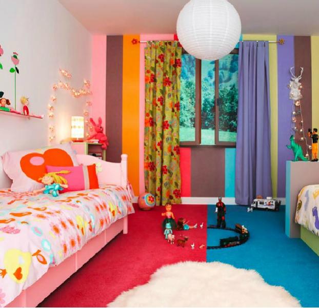 Еще один пример комнаты разнополых детей зонированой цветом