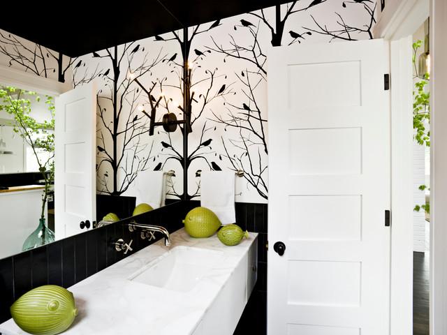 оформление стен в черно-белых ванных