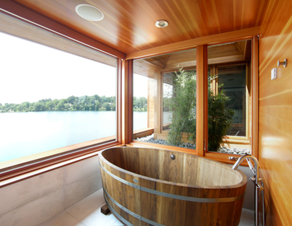 ванная из дерева на фото 4